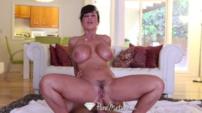 HD - PureMature Lisa Ann gets