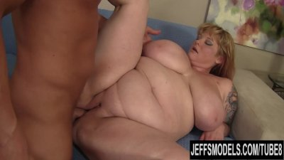 Fat Ass Lady Lynn eats cum