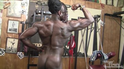Roxanne Edwards - She's Naked, Ripped, and Powerful