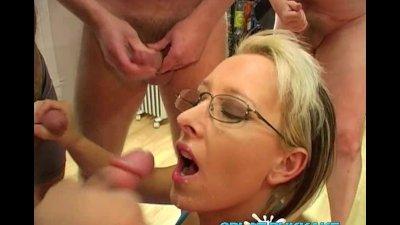 Sexy blonde UK MILF facials