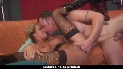 Rebelious blonde babe gets to be fucked hard