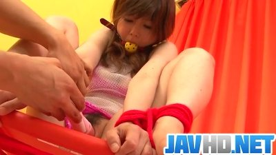 Miku AIri amazes in pure Asian