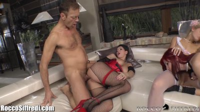 RoccoSiffredi Anal Foursome with 3 Babes