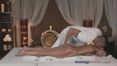 Massage Rooms Tanned beauty ta