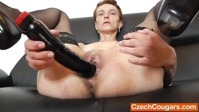 Rozi strikes again with more lust hole gets filled up