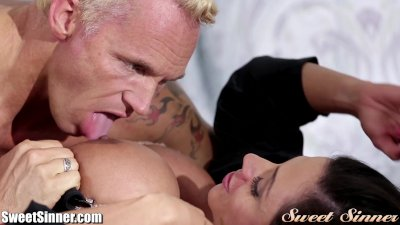 SweetSinner Ariella Ferrera Erotically Fucking