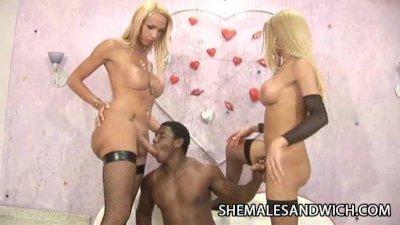 Dartilly Richilielly and Leona Andrev - 3some Interracial