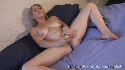 Big Pussy Lips, Sopping Wet Orgasm Co...