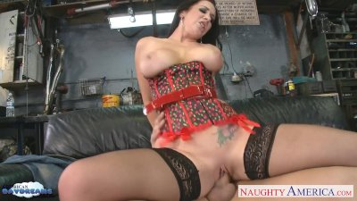 Busty brunette Jayden Jaymes suck a massive dick