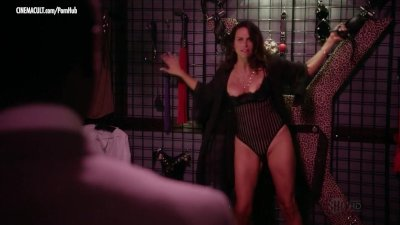 Nudes of House of Lies - Season 1 - Kristen Bell Dawn Olivieri
