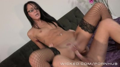 Wicked - Sabrina Banks gets fu