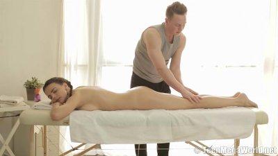 Teen beaut riding her masseur'