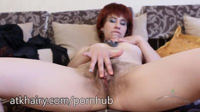 Alex shows off her hairy muff