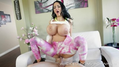 Amy Anderssen and her huge tit