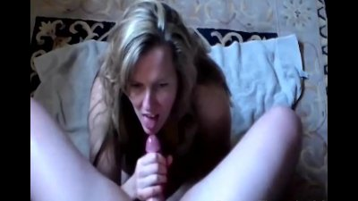 Sexy Housewife Giving an Amazi