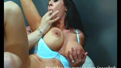 Milf gets fucked in an elevator