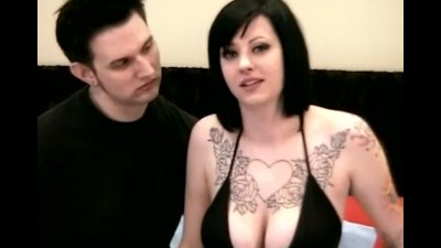 Amateur Couple Makes Their First Fuck Film