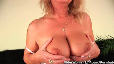 Squirting granny sprays her juice all...