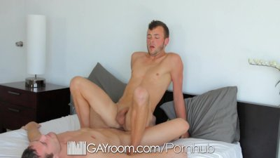 Rough top Hayden Richards fucks Brandon Ford