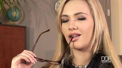 Sweet Cheeks Misha Cross gets Deep throated