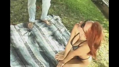 Picnic Handjob With Horny Amateur