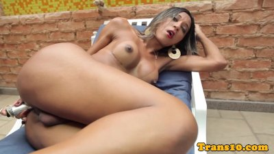 Solo tranny dildofucking her ass and wanking