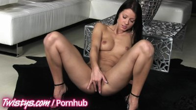Twistys - Melisa Mendiny rubs her pretty pussy