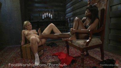 Foot Hottie Fucks Dahlia Sky's Tight Pussy