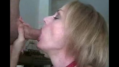 Sloppy Blowjob From Stepmom