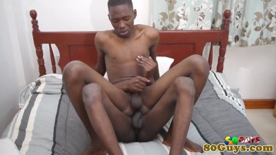 African amateur barebacked while jerking