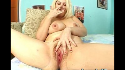 Chubby Blonde Gets Her Pussy Plugged