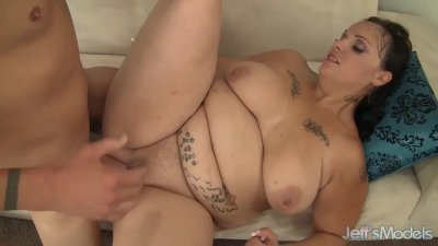Horny milf Savannah Star gets