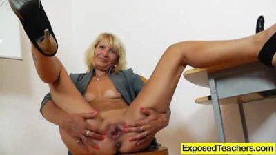 Curvy milf riding a huge fake penis
