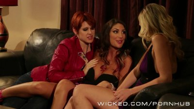 Wicked - Two sexy lesbians get to know each other