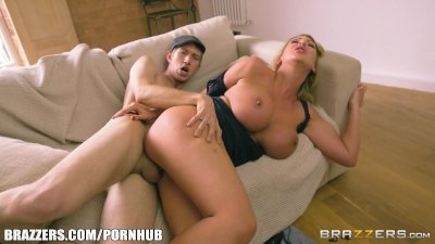 Brazzers - Big boobed milf Leigh Darby gets pounded