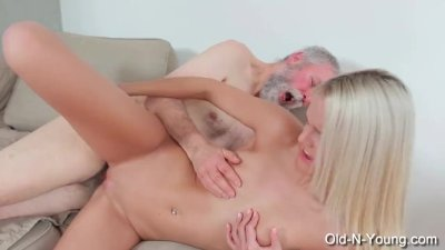 JOLEYN BURST - Old Dick Fucks