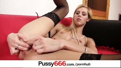 Sindy Vega extreme pussy flexing on close-ups