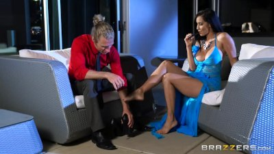 Brazzers - Milf Isis Love takes on young stud