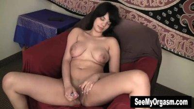 Busty Jiselle Vibrates Clit For Orgasm