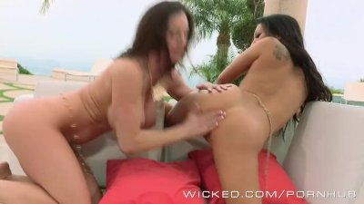Wicked - Asa Akira loves licking ass