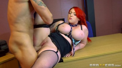 Brazzers - Curvy babe, Harmony Reigns gets pounded