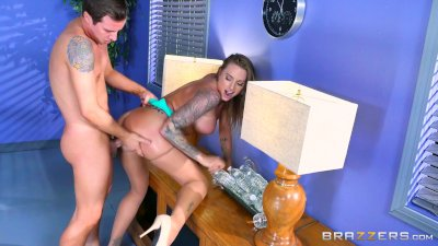 Raven-haired sweetheart has her anus destroyed