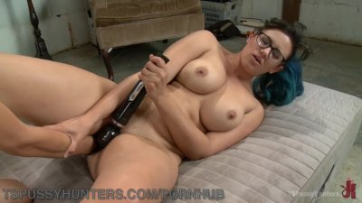 TS Electrician Fucks Punk Nerd