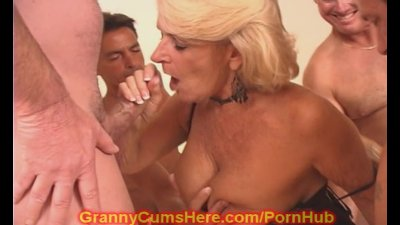 Hardcore anal session with a stacked blonde