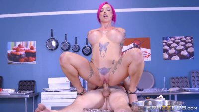 Anna Bell Peaks is a naughty girl - Brazzers