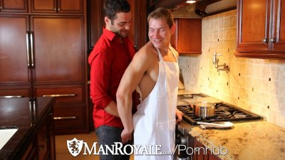 ManRoyale - Nine Incher Tommy Defendi Pounds Twink