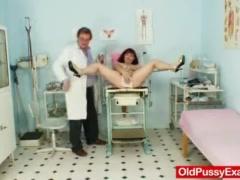 Redhead oma kinky piss hole vagina expander inspection