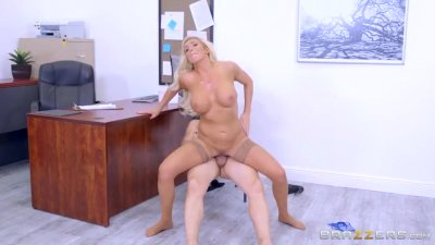Dirty blonde mild Olivia Fox gets fucked on the desk - Brazzers