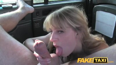 Seductive starlet has her trimmed snatch pumped