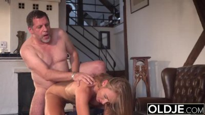 My grandpa fucks his beautiful young girlfriend pussy mouthful of cum